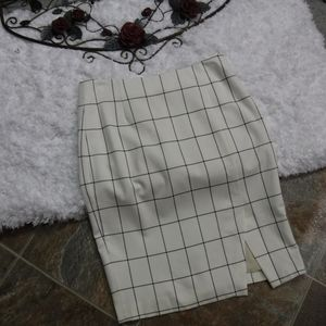Banana Republic Windowpane Pencil Skirt Size 4